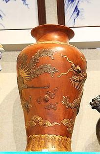 红地龙纹长瓶