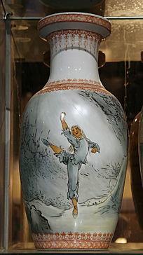 景德镇文革瓷白毛女站姿图案瓷瓶