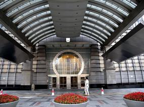 上海金茂大厦门厅横构图