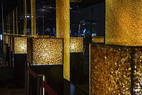 黄水晶墙走廊
