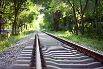 铁轨铁路树洞唯美照片