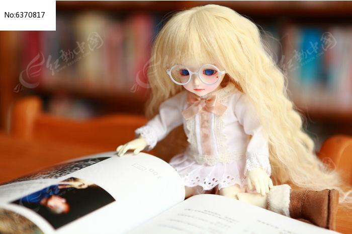 看书的sd娃娃