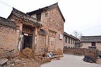 冬天山西陵川乡村失修的老房子