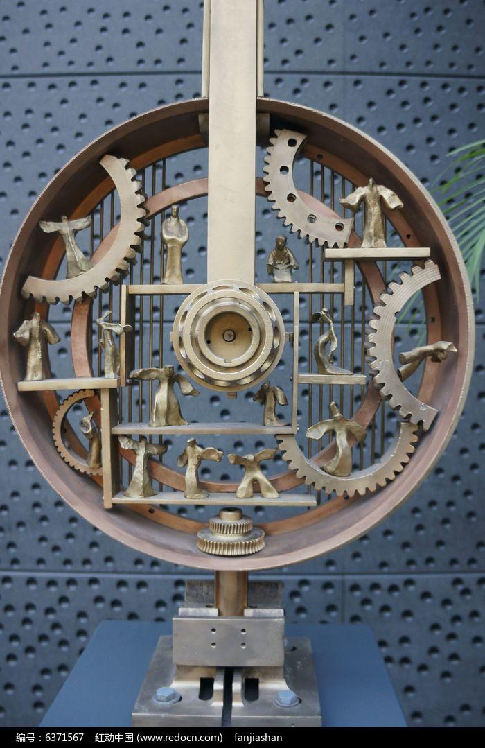 机械齿轮雕塑图片