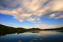 蓝湖夜云飘渺