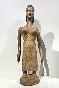非洲木雕穿裙子的女人