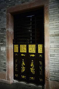 古代木门雕花