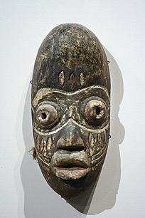 木刻彩绘面具