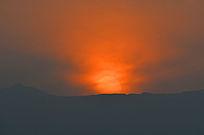 太行山上夕阳西下