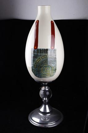 服装图案花瓶