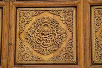 古典雕龙实木窗