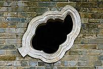 叶子形古建筑窗户