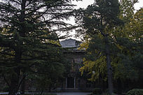 清华大学图书馆一侧古建筑