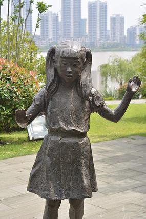 跳舞的女孩铜雕