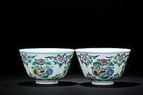 大清雍正年制款斗彩花卉图案对杯
