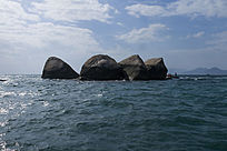 三亚海中皇冠石