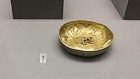 饰有动物图案的鎏金银碗