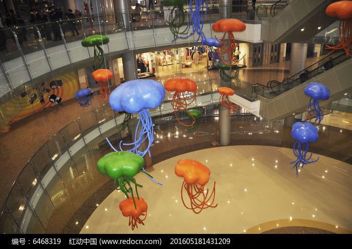商场中庭美陈景观雕塑彩色水母图片