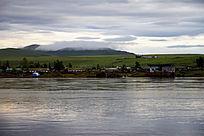 美丽的额尔古纳河对岸俄罗斯村镇