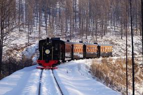 海雪原小火车