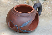 摔坏的茶壶