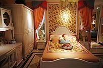 温馨的欧式卧室