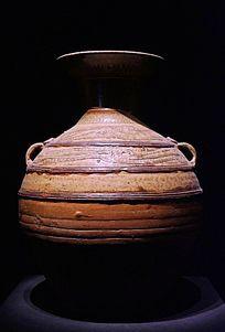 西汉时期原始瓷青釉划花双系壶
