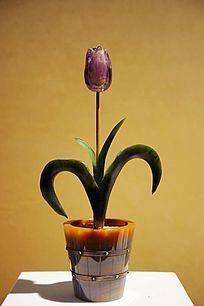 珍稀材料制作的郁金香