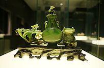 清(1644-1911)碧玉灵芝双联瓶(背)