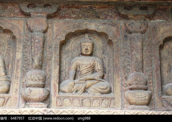五塔寺石刻坐姿的佛像壁刻