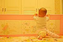 宝宝的背影