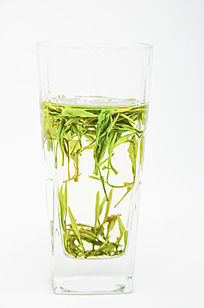 在杯子里浮沉的黄山毛峰