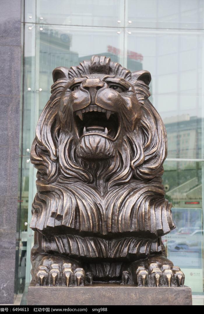 威武的雄狮子正面张嘴铜雕像