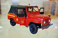 红色消防吉普车