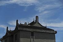 蓝天下江南古建筑民宅