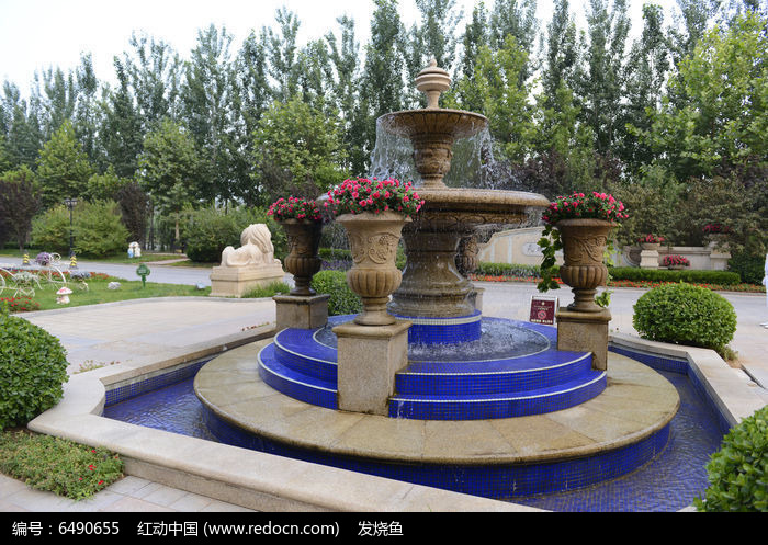欧式别墅园林喷泉图片