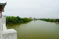 桥上的风景