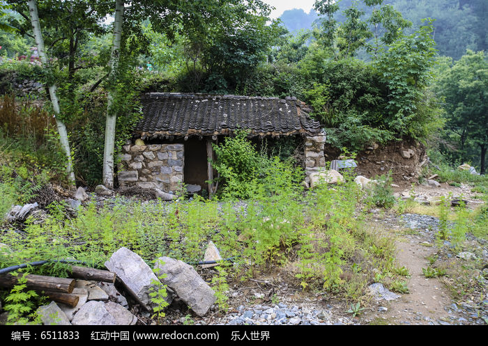 当前位置:原创摄影图>建筑摄影>乡村小镇>山里小房子