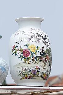白色孔雀花鸟花瓶