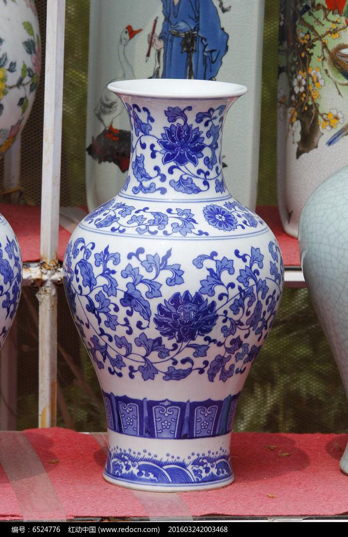 彩绘白蓝花瓶
