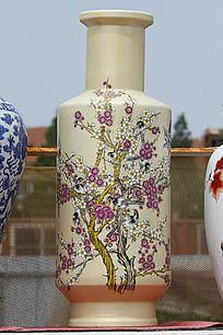 彩绘喜上梅梢长花瓶
