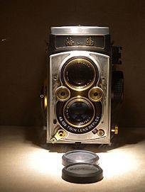 海鸥牌4B型120银版相机