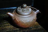莲花紫砂茶壶