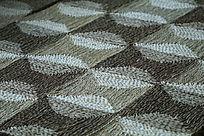 编有精美图案的地毯