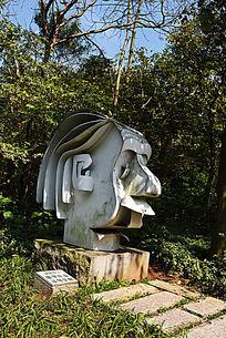 抽象雕塑爱因斯坦