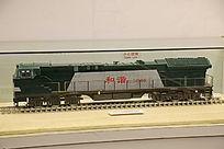 和谐型绿色内燃机车机车模型