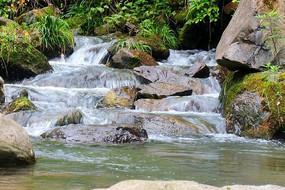五龙河峡谷溪水
