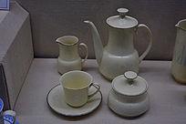 鲁玉瓷手鼓茶餐具