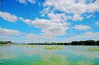 天空与水面