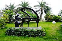 钢琴人物雕塑